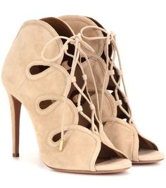 AQUAZZURA French kiss 105 suede peep-toe ankle boots found on Nudevotion Beige Ankle Boots, Short Heel Boots, Peep Toe Ankle Boots, Ankle Shoes, Pump Shoes, Heeled Boots, Pumps, Cream Shoes, French Kiss