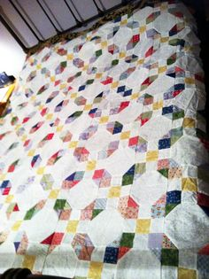 Snowball / 9-Patch Quilt.