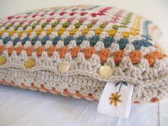 Transcendent Crochet a Solid Granny Square Ideas. Inconceivable Crochet a Solid Granny Square Ideas. Beau Crochet, Crochet Home, Love Crochet, Beautiful Crochet, Crochet Crafts, Yarn Crafts, Crochet Projects, Crochet Cushion Cover, Crochet Cushions