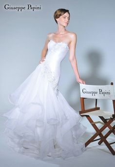 "Giuseppe Papini's dream wedding gown: the ""Timeless collection"" /4"