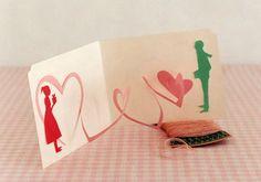 DIY pop up Valentine card Pop Up Cards, Cute Cards, Diy Cards, Tarjetas Diy, Tarjetas Pop Up, Kirigami, Valentine Day Crafts, Valentines, Paper Pop
