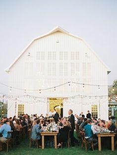 White Sparrow Barn Wedding by Becca Lea - Southern Weddings White Sparrow Barn, White Barn, Barn Wedding Decorations, Barn Wedding Venue, Barn Weddings, Romantic Weddings, Chic Wedding, Dream Wedding, Wedding Tips