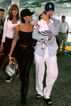 Victoria Beckham Style Moments: All fashion moments we never want to forget from the designer, mother and our favourite Spice Girl. Victoria And David, David And Victoria Beckham, David Beckham, Victoria Beckham Outfits, Victoria Beckham Style, Cute Couples Goals, Couple Goals, Spice Girls Outfits, Posh Beckham