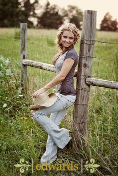 Senior Portrait  www.JessicaEdwardsPhotography.net