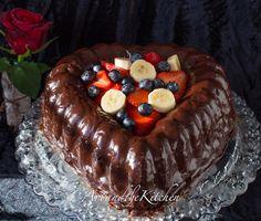 This Chocolate Ganache Valentine Cake is not only gorgeous, it tastes amazing! Rich chocolate cake covered in a chocolate ganache Chocolate Ganache Cake, Decadent Chocolate Cake, Chocolate Desserts, Tolle Desserts, Köstliche Desserts, Delicious Desserts, Funnel Cakes, Cupcakes, Cupcake Cakes