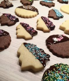 A legfinomabb karácsonyi keksz ajándékba | Sweet Bonnie Hungarian Recipes, No Cook Meals, Christmas Holidays, Muffin, Food And Drink, Cookies, Cake, Christmas Vacation, Crack Crackers