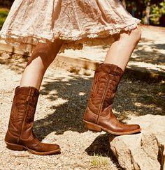 Stivali Texani Donna in Vera Pelle Vintage Tuffata. Texani Marroni con  Decorazioni Fondo Vero Cuoio 57b6bb773c06