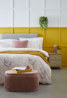 Create warmth and comfort with autumnal hues in interiors this season. Think terracotta, russet, burnt orange, ochre, mustard, and blush pink. These earthy tones are a great way to create a grounded feel in your home and to make it feel extra cosy.  #earthycolours #autumncolours #homeinteriors #autumndecor Double Duvet Set, Kitchen Colour Schemes, Cool Beds, White Furniture, Duvet Sets, Linen Bedding, Bed Linen, Color Blocking, Colour Block