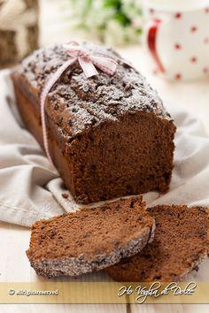Plumcake soffice ricotta e cioccolato, un dolce morbido, senza burro, facile per la colazione e merenda. Ricetta preparata con ricotta nell'impasto e cacao.