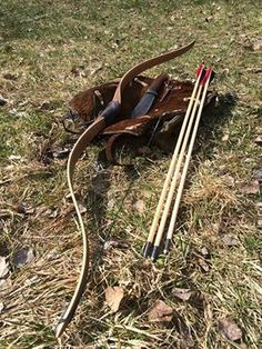 Lena's bow and arrows. Traditional Recurve Bow, Traditional Archery, Bone Arrow, Archery Aesthetic, The Great Mouse Detective, Garden Water Fountains, Recurve Bows, Archery Bows, Longbow