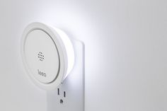 Amazing: The Leeo smart night light goes from regular night light to one that monitors your smoke alarm and lights your way out during an emergency.