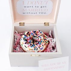A little inspiration on how to propose to your bridesmaids from Jessi @thestylishprint.  Tell us how you asked your bridesmaids below!?!?