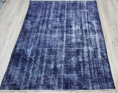 Newest Images navy Turkish Rugs Style The information gap between buyer and seller can be as wide as the Grand Canyon. In this guide our a Turkish Kilim Rugs, Rugs In Living Room, Rug Making, Floor Rugs, Handmade Rugs, Colorful Rugs, Rugs On Carpet, Vintage Rugs, Wool Rug