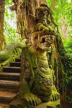 Travel Photography, Bali Monkey Forest Sanctuary, Ubud Monkey Forest Sanctuary, Bali top Bali it Bali Travel Guide, Asia Travel, London Travel, Japan Travel, Ubud, Travel Aesthetic, Belle Photo, Monuments, Travel Photography