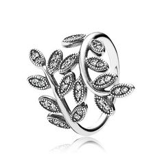 Amazing ring from the upcoming Autumn collection 2014. Welcome autumn in style with this stunning statement ring with sparkling rose leaves. #PANDORA #PANDORAring #PANDORAaw14