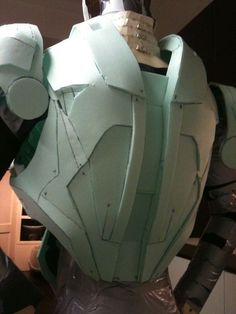 Hello friends This is my first Ironman building in foam. Iron Man Cosplay, Cosplay Armor, Cosplay Diy, Iron Man Suit, Iron Man Armor, Taktischer Helm, Origami Templates, Box Templates, Armadura Cosplay
