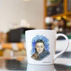 Disfruta de tus desayunos con esta taza de Arya Stark  #art #cup #mug #illustration #arya #gameofthrones #artoftheday #picoftheday #picture #watercolor #merchandising #artsgram #picgram #graphicdesign #design #coffee #coffeetime #breakfast #huelva #shoponline #sandracasadoart