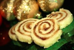 Pets de Soeurs (French Canadian Cinnamon Pastries, literally translates to nuns farts lol). These are the best! Good use for extra pie dough Canadian Dishes, Canadian Cuisine, Canadian Food, Canadian Recipes, Canadian Culture, Canadian French, Cinnamon Pastry Recipe, Cinnamon Rolls, Cookie Recipes