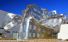 The Brain Institute of Las Vegas : said to represent the form of a brain wave