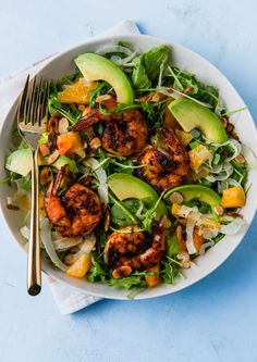 Grilled shrimp salad is fresh and hearty and full of spicy arugula, creamy avocado, thinly sliced fennel all dressed in a citrus vinaigrette. Healthy Meal Prep, Healthy Snacks, Healthy Recipes, Healthy Dinners, Healthy Weight, Salad Recipes, Healthy Eating, Shrimp Salad, Grilled Shrimp