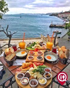 Leilighet til salgs i Alanya Tyrkia - victoria Turkish Breakfast, Morning Breakfast, Brunch Mesa, Breakfast Around The World, Alanya Turkey, Kebab, Good Food, Yummy Food, Food Platters
