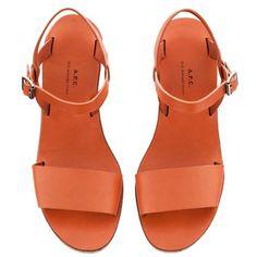 Sandales minimales compensées