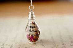 Light Bulb Necklace Moss Necklace Terrarium by @Ness T Studio - Handmade Jewelry #SFEtsySplash40 June 3