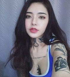 A tough-looking girl with a soft heart gets to be the eighth member of the BTS. Tattoo Girls, Girl Tattoos, Sexy Asian Girls, Sexy Hot Girls, Cute Girls, Ulzzang Korean Girl, Cute Korean Girl, Asian Tattoos, Sexy Tattoos