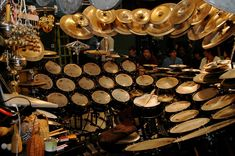 Terry Bozzio kit This is ridiculous! Terry Bozzio, Percussion Drums, Mundo Musical, Drummer Gifts, Instruments, Drum Lessons, How To Play Drums, Drum Kits, Drummers