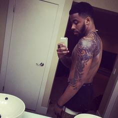 Sage the Gemini asks: What's better for #selfies...bathrooms or bedrooms?