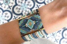 Loom Bracelet Patterns, Bead Loom Bracelets, Bead Loom Patterns, Jewelry Patterns, Beading Patterns, Beading Ideas, Silver Bracelets, Bangles, Seed Bead Jewelry