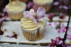 Miso butter cream cupcakes by My Beach Kitchen www.mybeachkitchen.com.au #foodphotography #mybeachkitchen #baking #cupcakes