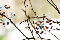 Konfetti laminieren, aus der Folie Kreise schneiden