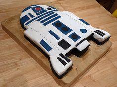 R2D2 cake, via Flickr.