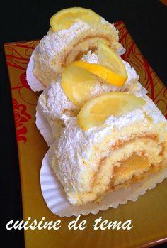 pour le biscuit roulé: 4 œufs. 150 g de sucre. 75 g de farine. 75 g de maïzena. ½ c à café de levure chimique. zeste de citron Crème au citron: 1 oeuf. 150 g de sucre. zeste d'un citron. 100 ml de jus de citron. 100 ml d'eau. 1 c a soupe de maïzena. garniture: sucre glace.