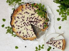 Mascarpone-mustikkapiirakka — Peggyn pieni punainen keittio Finnish Recipes, Pancakes, Sweets, Bread, Fruit, Breakfast, Desserts, Food, Mascarpone