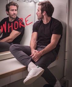 Uhhh jake Gyllenhaal is a crackhead and I'm eating a quesadilla. Pedro Pascal, Man Thing Marvel, Marvel Memes, Celebs, Celebrities, Robert Pattinson, Reaction Pictures, Pretty Boys, Pretty People