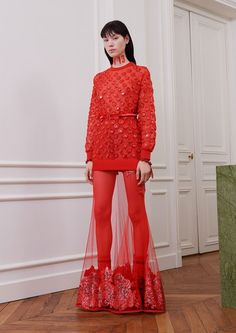 View the complete Fall 2017 collection from Givenchy.