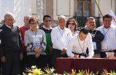 En el mitin encabezado por el dirigente nacional del Morena en Morelia, el diputado federal aseguró que en ese grupo 97 representantes populares, entre ellos 4 legisladores, 23 alcaldes, 8 ...