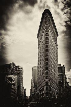 Flatiron Buliding New York City #newyork, #NYC, #pinsland, https://apps.facebook.com/yangutu