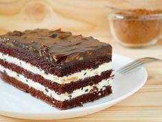 Easy Vanilla Cake Recipe, Easy Cake Recipes, Sweet Recipes, Baking Recipes, Cake Bars, Ice Cream Recipes, Sweet Desserts, Winter Food, Cakes And More