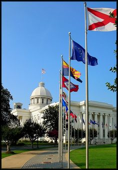Alabama State Capitol, via Flickr...have you visited your own state Capitol?  This is ours..and it has been awhile.  Thinking grandchild adventure...and soon!...slj