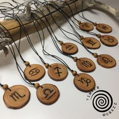 Wood Burning Crafts, Wood Burning Patterns, Wood Burning Art, Wood Crafts, Ceramic Jewelry, Wooden Jewelry, Zodiac Sign Necklace, Pyrography, Woodworking Crafts