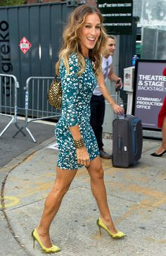 Love the dress and heels! (Sarah Jessica Parker)