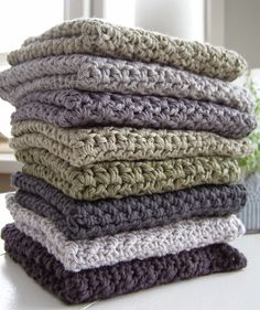 Halager: DIY - Endnu en karklud i mønsterhækling Crochet Towel, Crochet Dishcloths, Diy Crochet, Knitting Projects, Crochet Projects, Crochet Kitchen, Textiles, Knitted Blankets, Beautiful Crochet