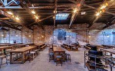 Get a beer at Houston Beer Hall Brewery Design, Pub Design, Restaurant Design, Cafe Bar, Brewery Interior, Bar Design Awards, Industrial Cafe, Brew Pub, Tap Room