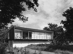 A much copied summer house designed by Arne Jacobsen in 1957 for the Kokfelt family there is a recent picture of it on Flickr.
