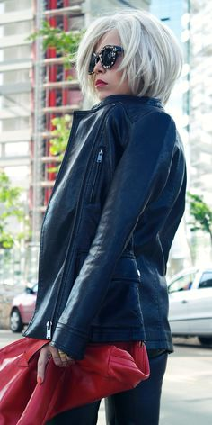 Popular Indie Block Cut Pattern Round Women's Sunglasses 9157 - Modern Medium Hair Styles, Short Hair Styles, Hair Medium, Corte Y Color, Pretty Hairstyles, Hairstyle Ideas, Grey Bob Hairstyles, Woman Hairstyles, White Hair