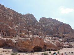 #magiaswiat #podróż #zwiedzanie #jordania #blog #azja  #jerash #twierdza #kosciol #amman #miasto #zabytki #muzeum #katedra #rzymskie #ruiny #stadion #madaba #goranebo #betania #jordan #morzemartwe #petra #al-kerak #pustynia Petra, Grand Canyon, Nature, Blog, Travel, Jordan Spieth, Naturaleza, Viajes, Blogging