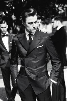 When gentleman gather. Gentleman Mode, Gentleman Style, Sharp Dressed Man, Well Dressed Men, Suit Fashion, Mens Fashion, Mode Costume, Looks Black, Suit And Tie